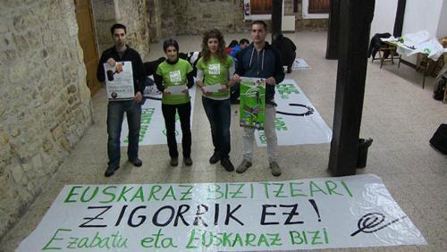 Larunbateko manifestaziora joateko deia egin dute zigortuak izan diren Altsasuko EHEko bi kideek