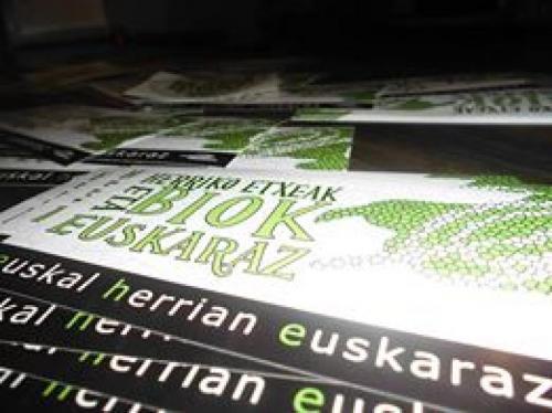 """Urruñako EHEk gaualdi baten bidez ekin dio """"Herriko etxeak eta biok euskaraz"""" dinamikari"""