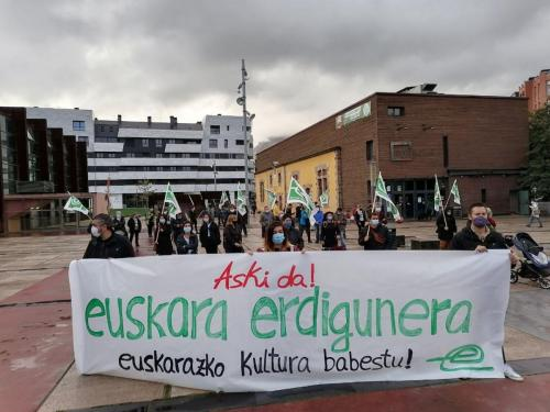 Euskarak eta euskal kulturak behar dituzten neurri estruktural eraginkorrak exijitu ditu EHEk Durangon